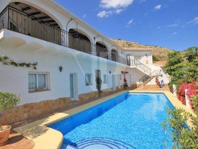 4 Schlafzimmer Villa in Javea