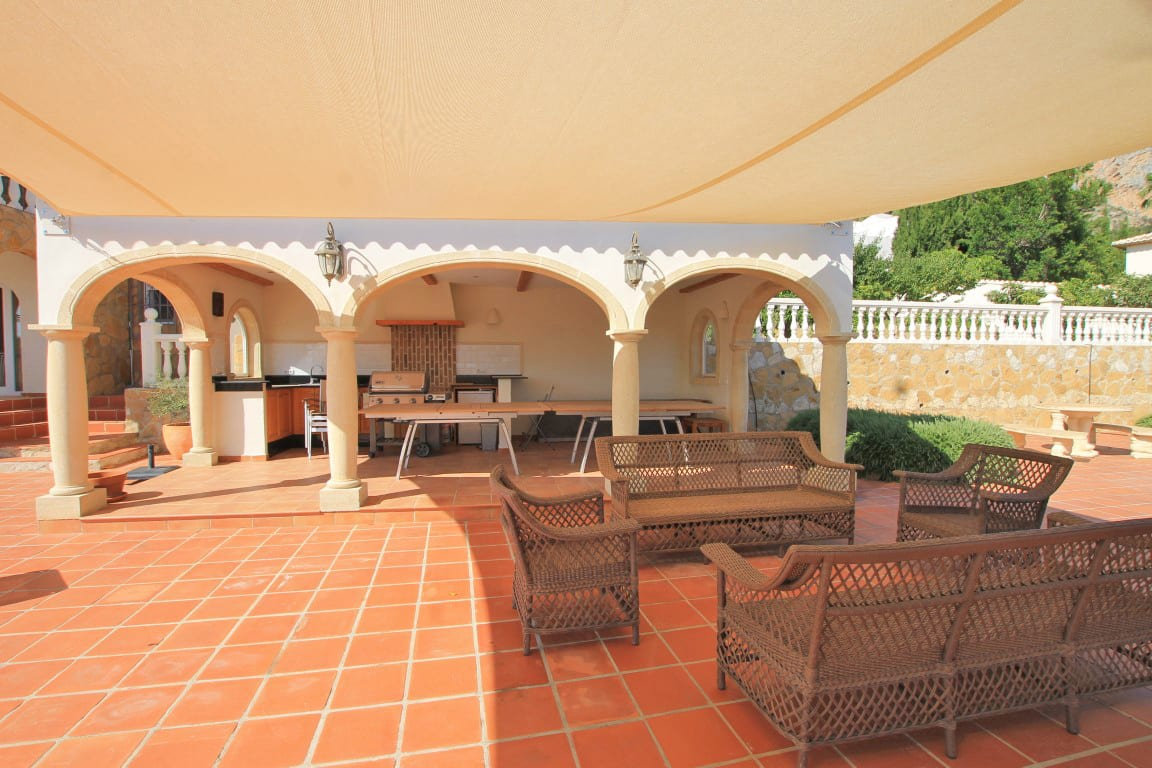 7 bed Villa in Javea image 4
