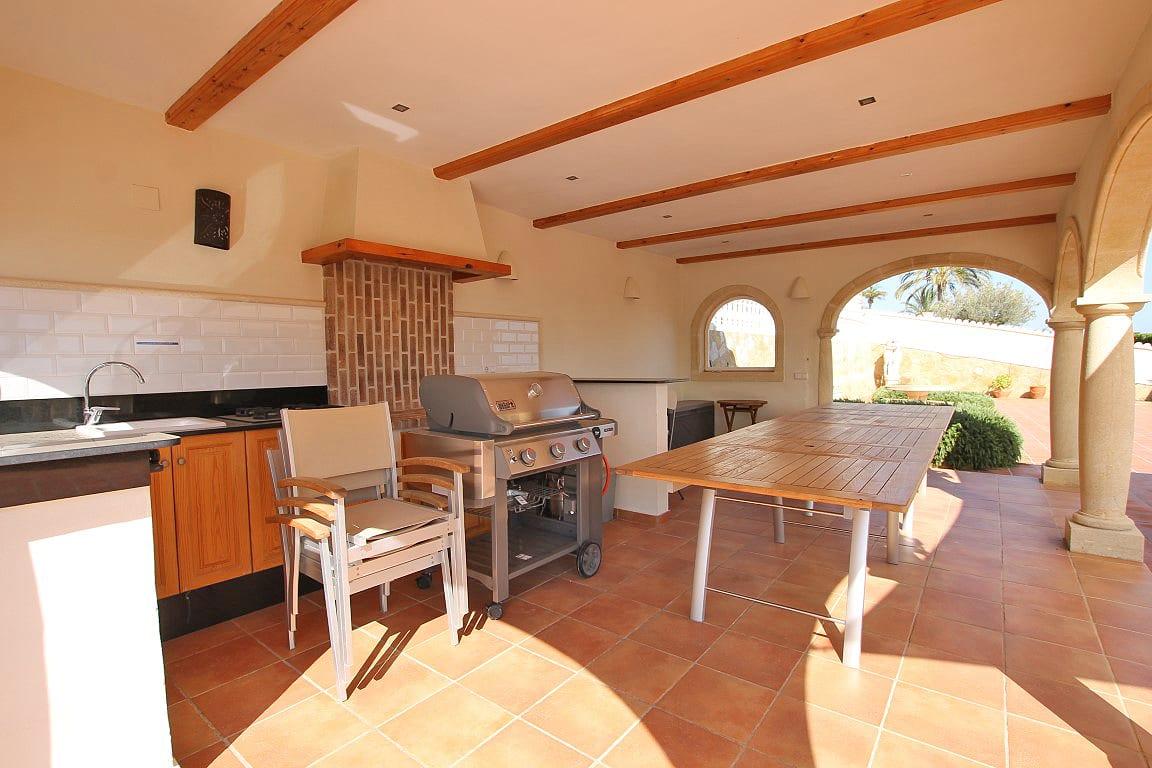 7 bed Villa in Javea image 5
