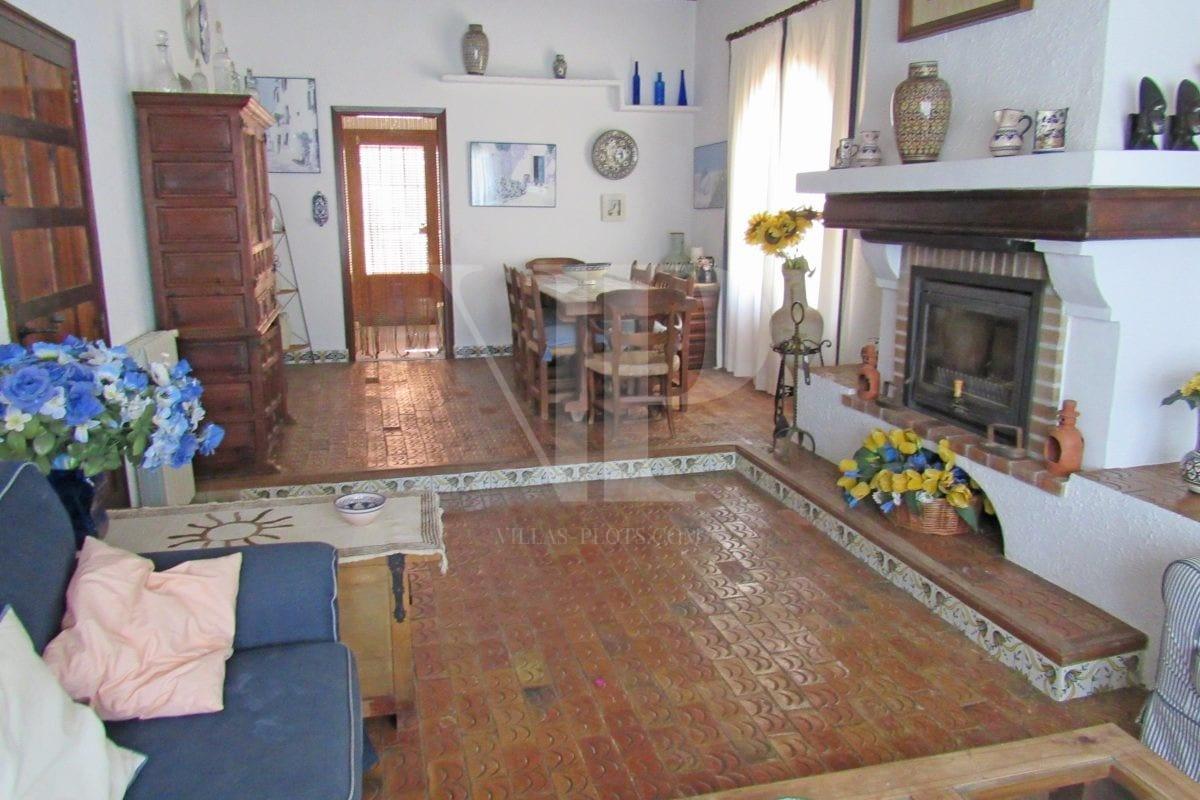 4 bed Villa in Javea image 9