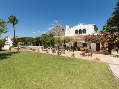 6 Bedroom Finca in Javea