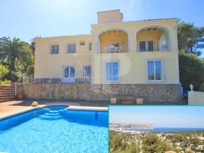 6 Bedroom Villa à Javea