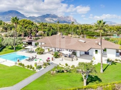 6 Bedroom Villa in Alfaz del Pi