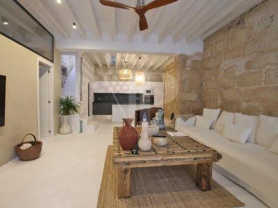 Herenhuis met 5 slaapkamers in Javea